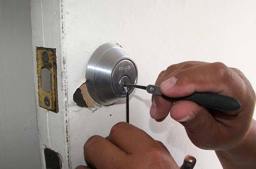 The 3 Most Common Types of Door Lock Tampering